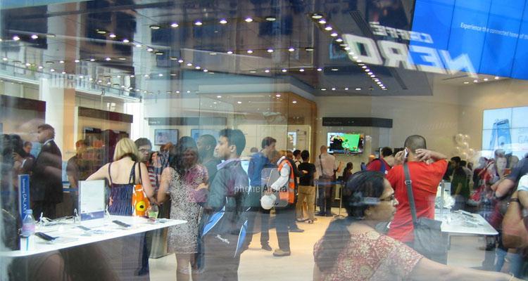 گلکسی اس ۵ رکورد فروش در یک روز را شکست