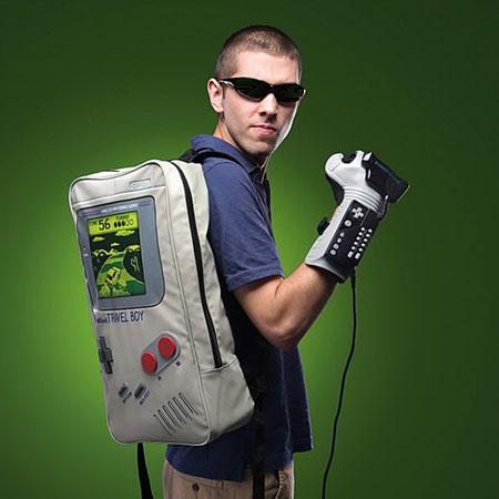 با این کوله پشتی به دنیای Game Boy سفر کن