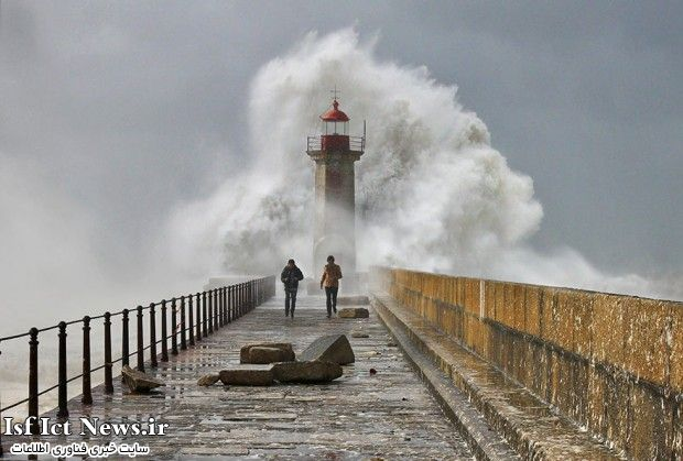 فوتوگرافر : زیباترین فانوس های دریایی جهان در آیینه تصویر