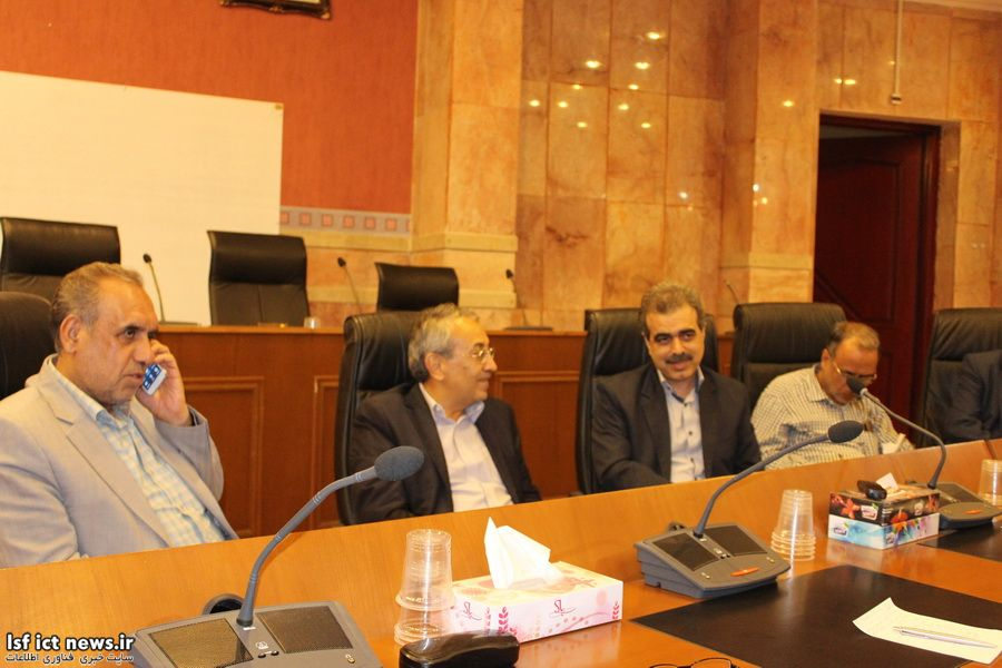 بهدنبال منع فروش اینترنت مخابرات در اصفهان: تکلیف 430 هزار مشترک