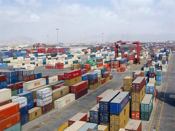 با هماهنگی وزارت صنعت، اداره استاندارد و گمرک، واردات کالاهای آیتی تسهیل میشود