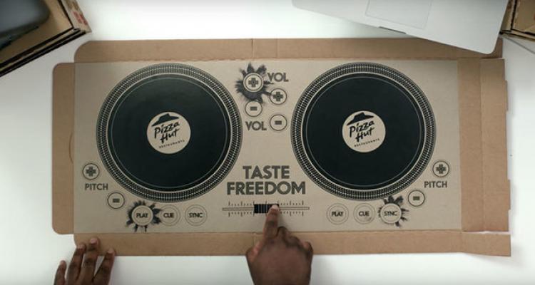 جعبههای پیتزا هات دیجی میشوند